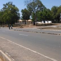 Place des lions-route et espace vert_route de Yelwa a Garoua