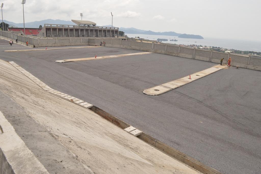 Vue du palier 5 du parking ouest du stade de Limbe